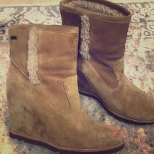 Ugg wedge fur lined bootie